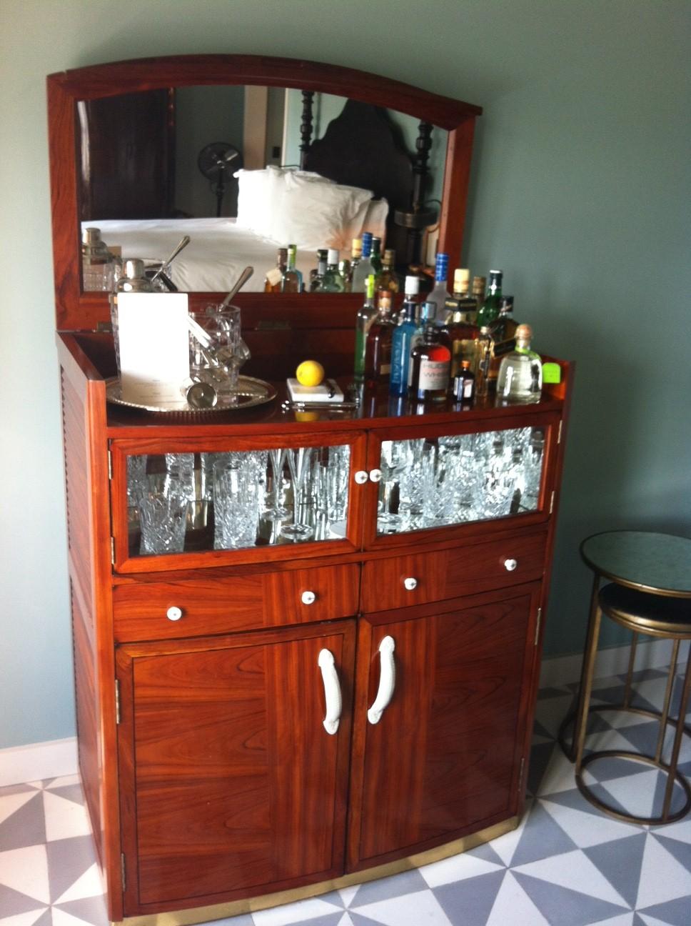 soho beach house hotel descolado em miami beach miami. Black Bedroom Furniture Sets. Home Design Ideas